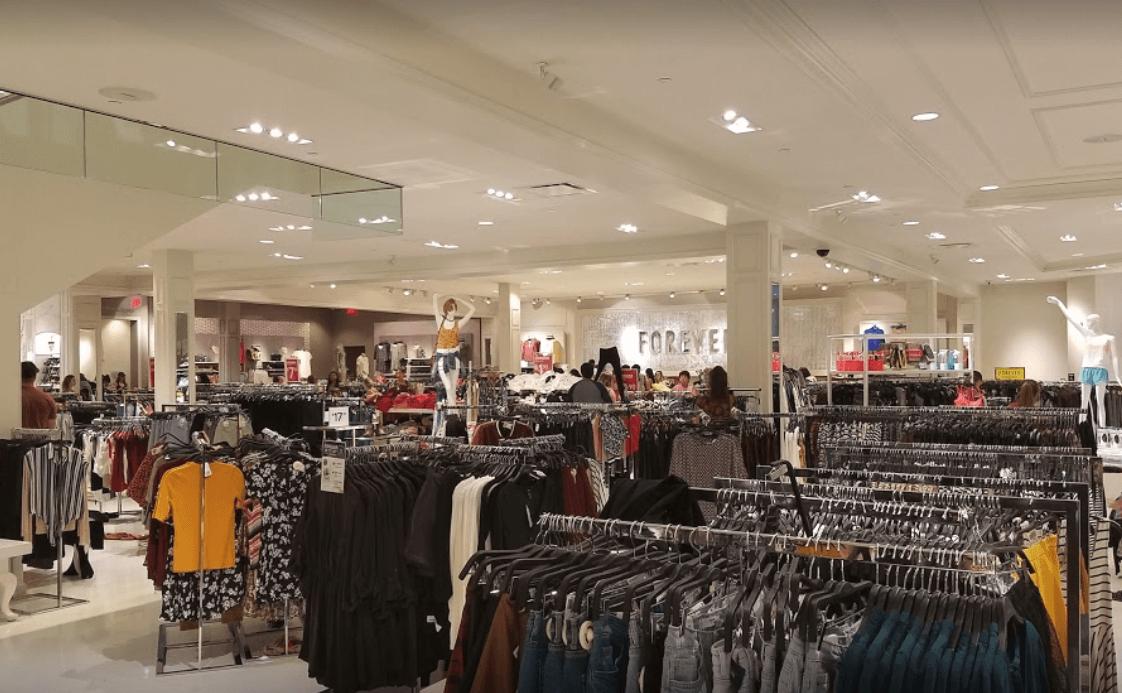 como decorar una tienda de ropa ejemplo free flow