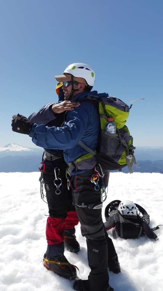 Plan de Digitalización Chile. Ascenso a los volcanes con Peripillan Expediciones.