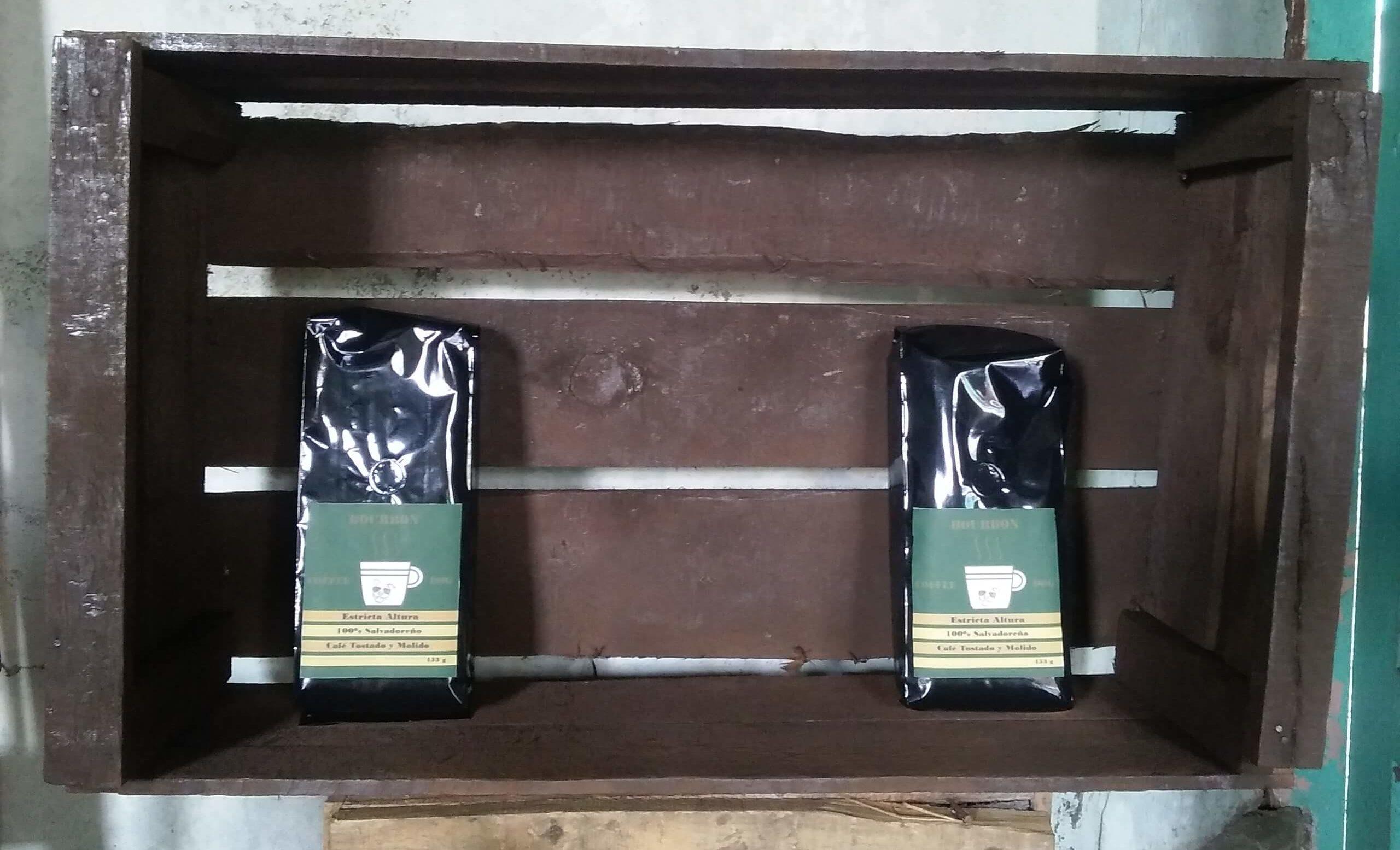 Plan de Digitalización El Salvador. Coffee Dog, productos.
