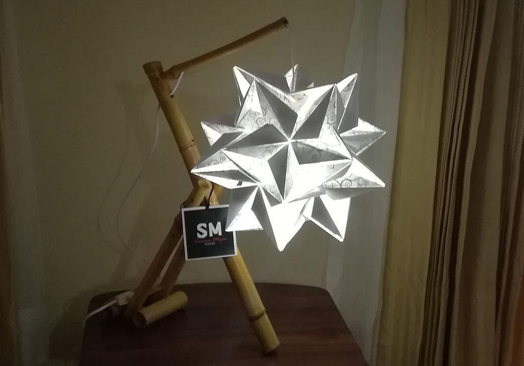 Pliegues Susana Mejía. Lámpara de origami blanca.