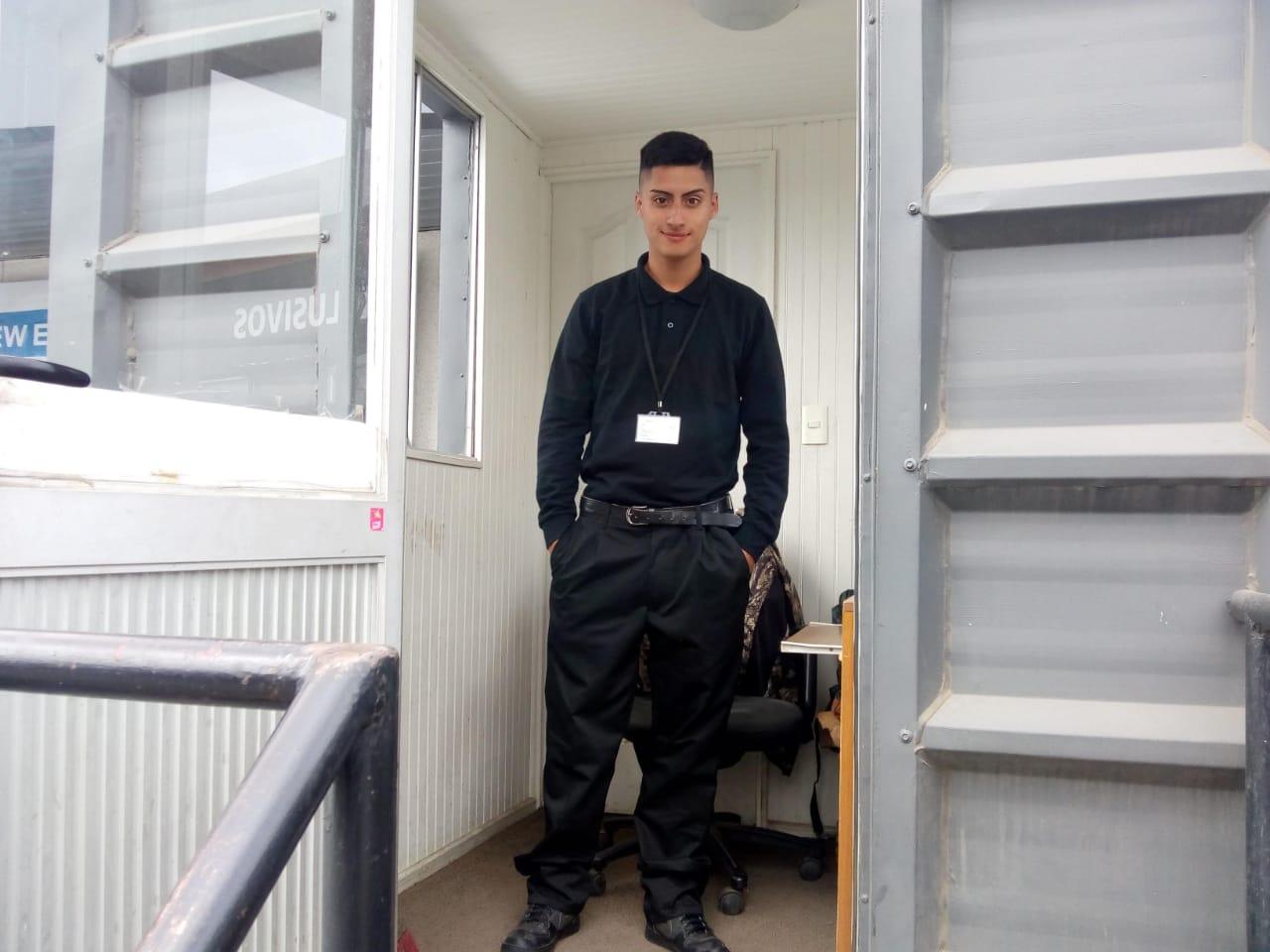 Alarcón Seguridad. Guardia joven