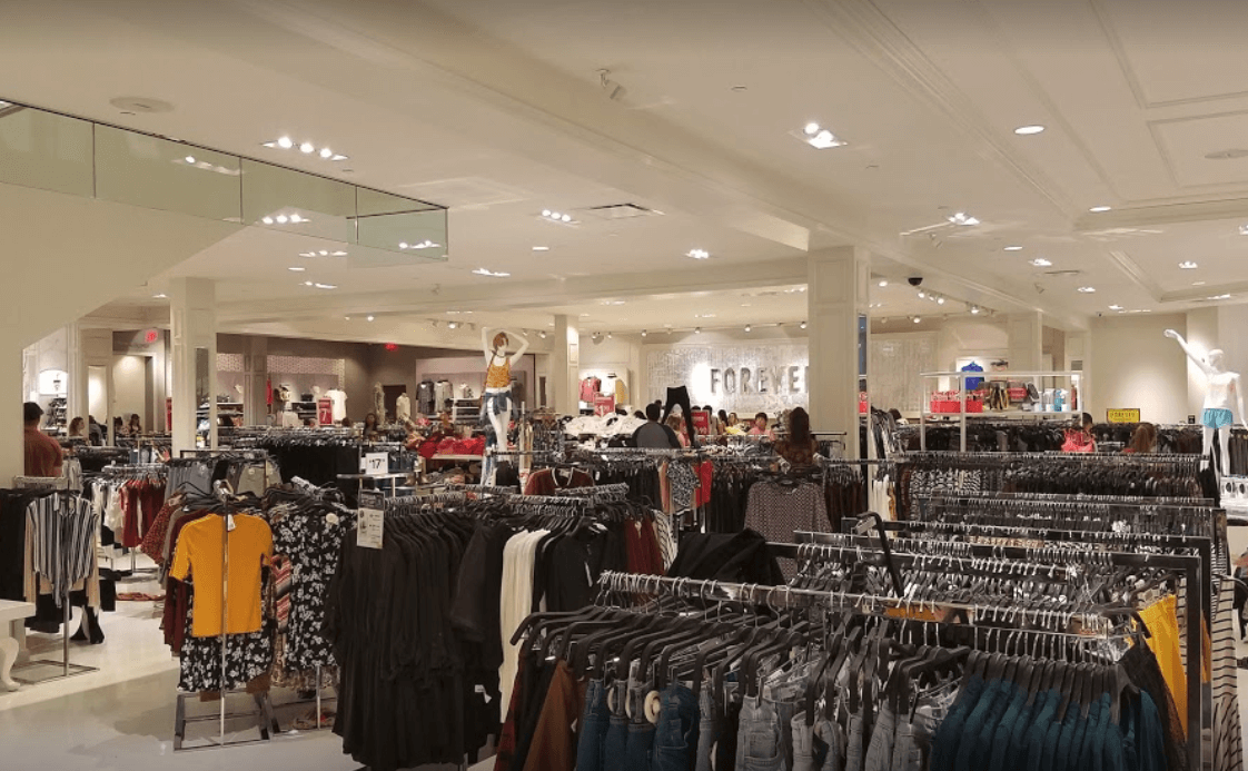 How to decorate a fashion showroom free flow example