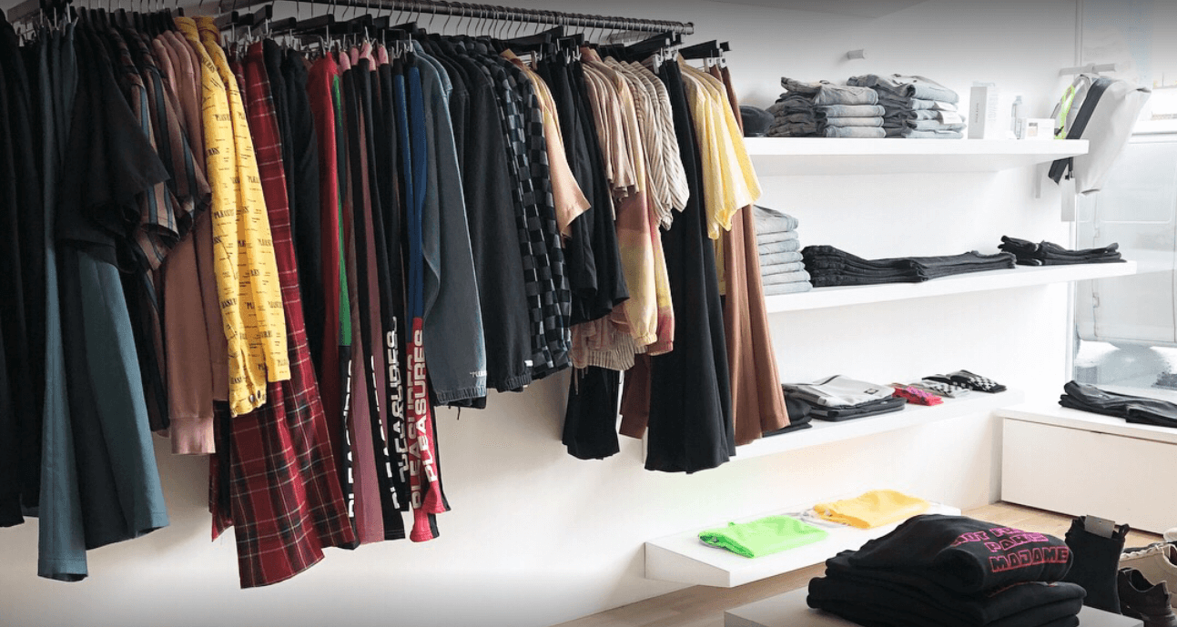 How to decorate a fashion showroom cool lighting