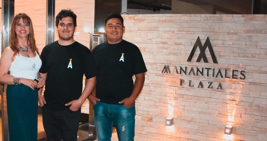 Marketing para organización de eventos. Rocio Venialgo y parte del staff de Árido Filmaciones.