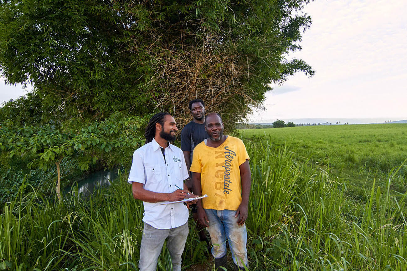 Develop Digitally Limited. Varun with farmers