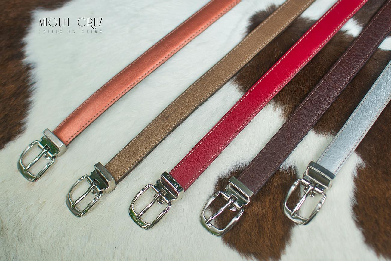 Miguel Cruz. Cinturones para mujer.