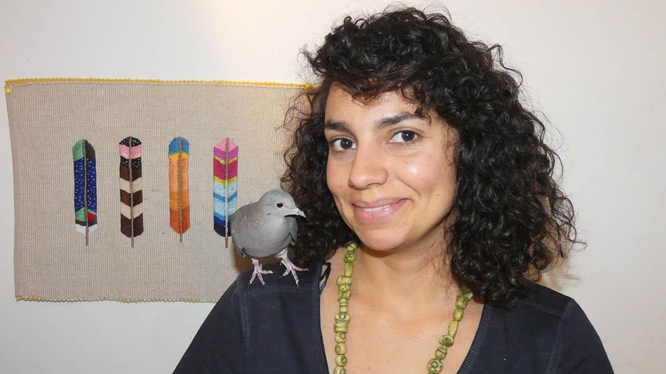 Psicólogo Transpersonal. Carolina con plumas