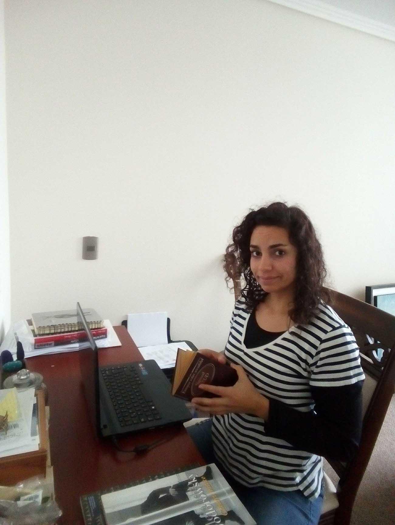 Psicólogo Transpersonal. Carolina en su clinica